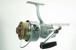 Vintage 1970's Olympic Medium Spinning Reel Made in Japan (Defect)