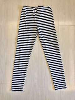 全新❗️Uniqlo Leggings Size 150