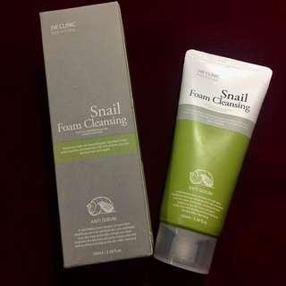 Snail Foam Cleanser