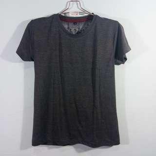 Our basic t-shirt dark grey