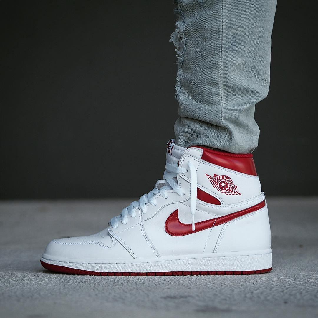 2a8b2804ea3 Air Jordan 1 Retro Metallic Red
