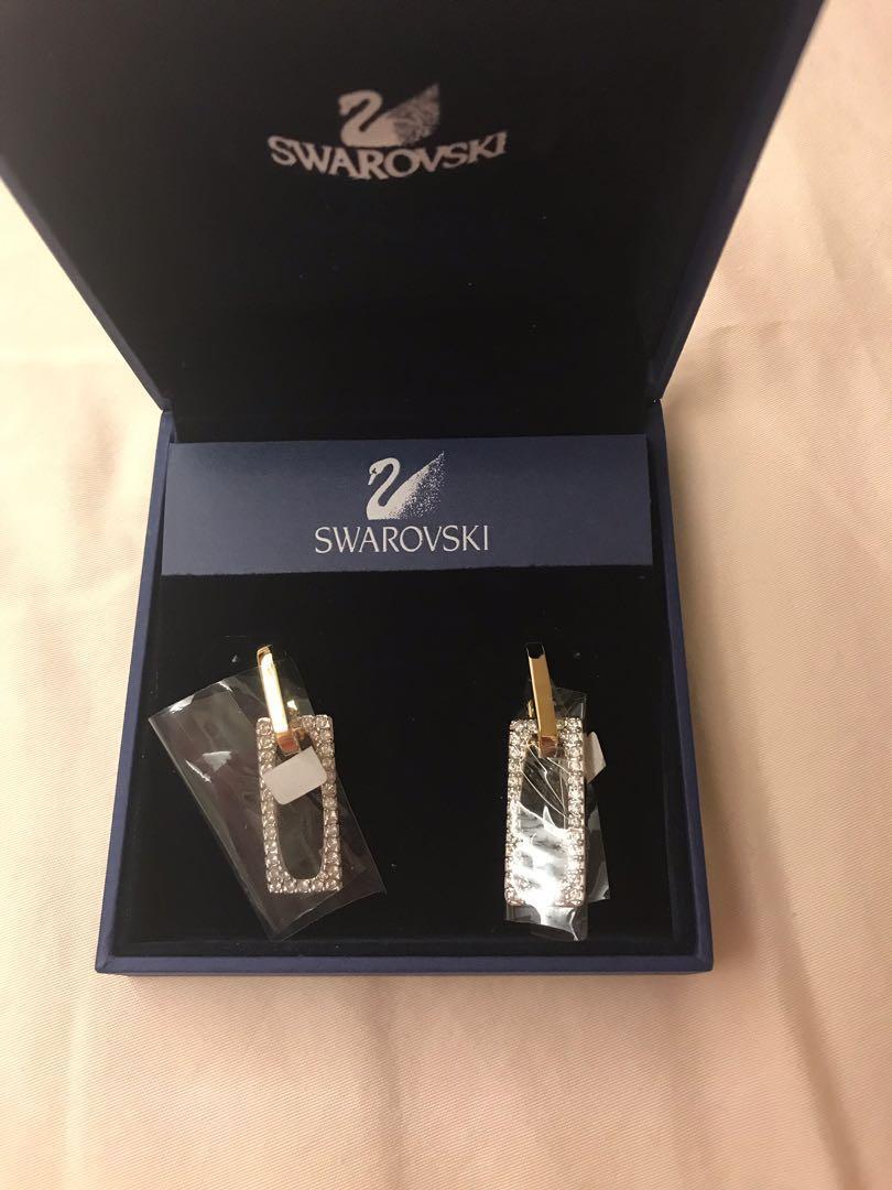 45f5ae333eab4 BNIB Swarovski Earrings
