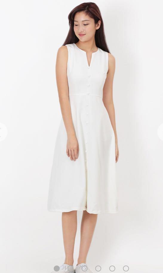 7278799c1bae7a BNWT AforArcade Lillie Button Midi Dress In White, Women's Fashion ...