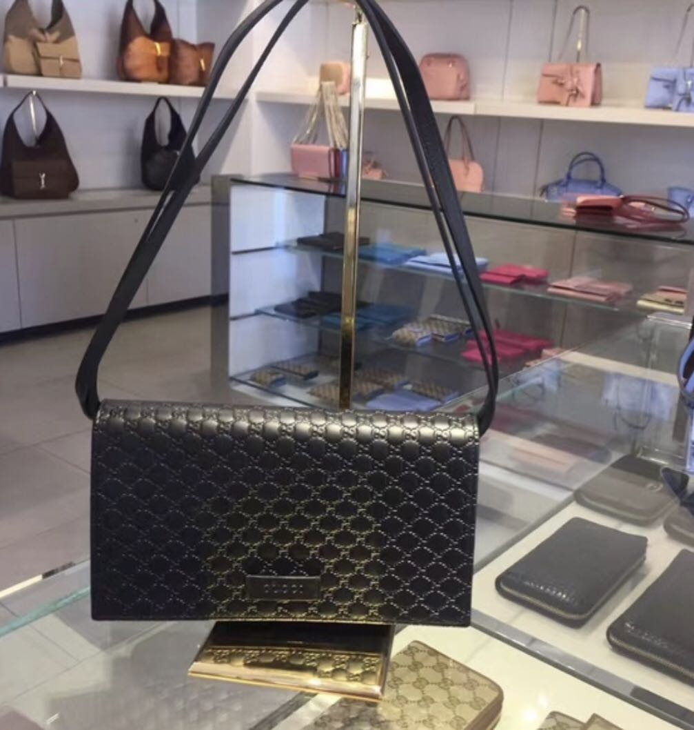 online retailer 7ab4d d5086 Gucci outlet woc, Luxury, Bags & Wallets, Sling Bags on ...