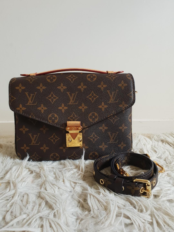 dab0b1491 Louis Vuitton Monogram Canvas Pochette Metis Bag, Women's Fashion ...