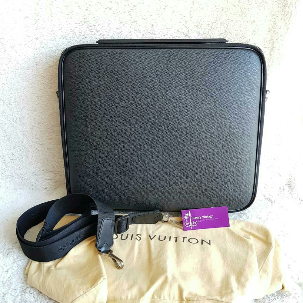 05dc750ae05c LV Porte Ordinateur Odessa Messenger  Computer Bag