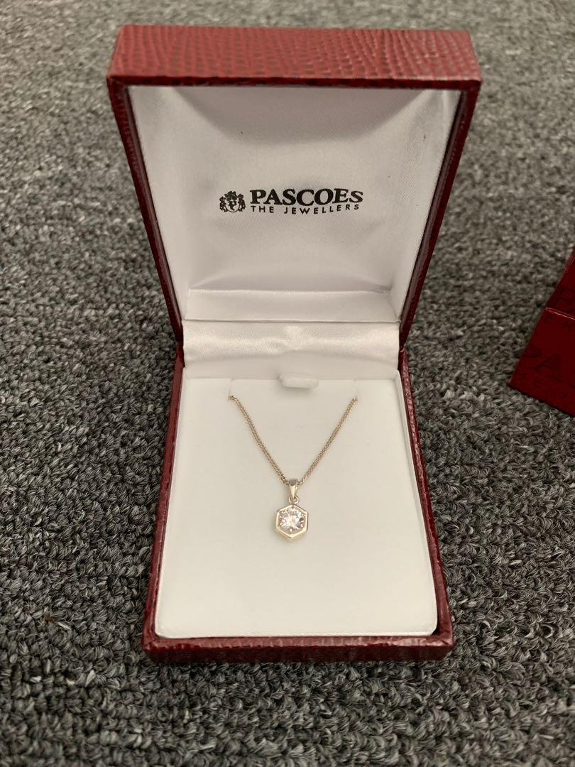 Pascoes necklace