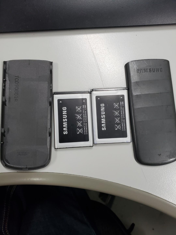 Samsung普通電話兩部
