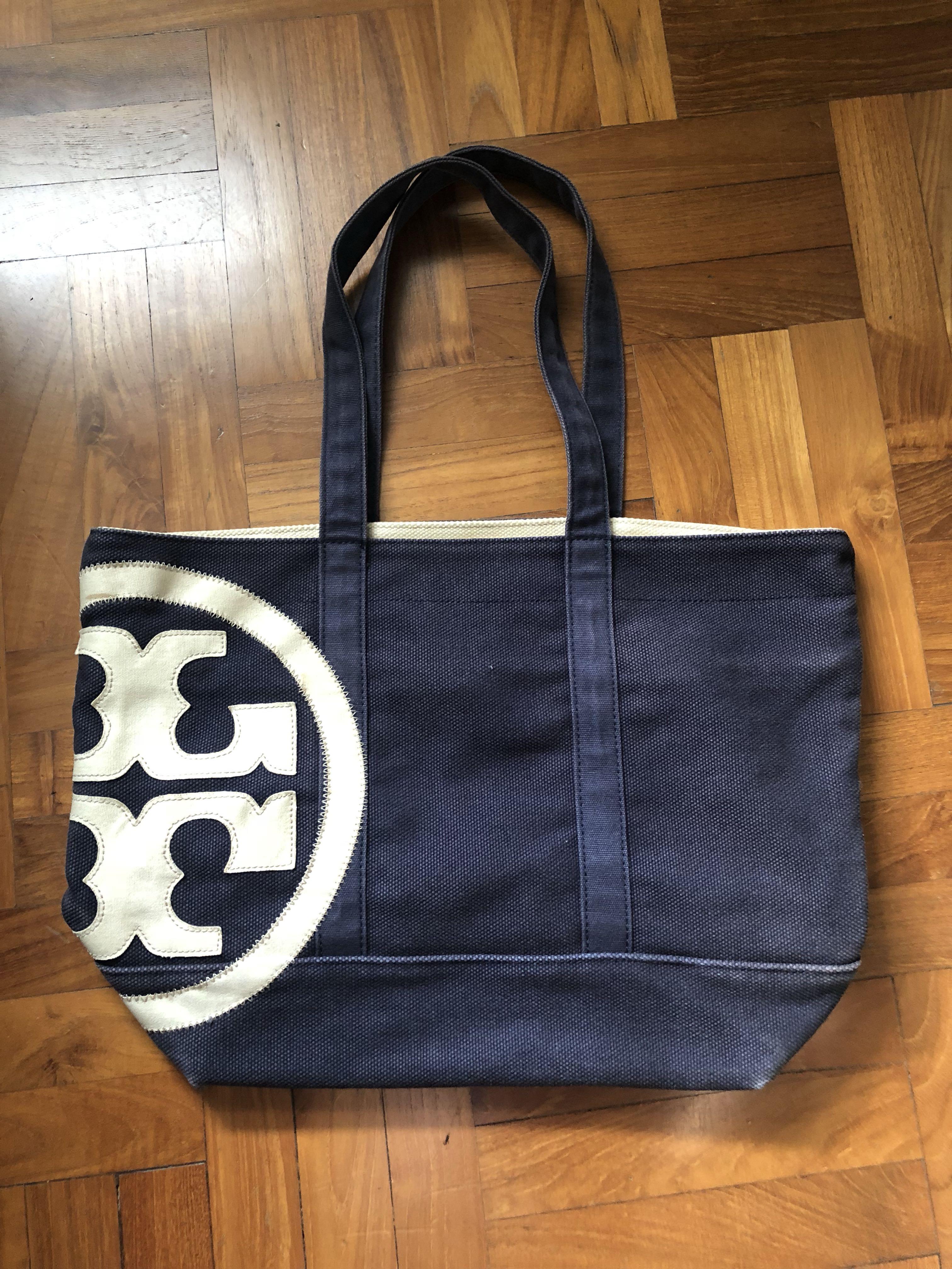 d842e04e865 Tory Burch Logo Canvas shoulder bag, Women's Fashion, Bags & Wallets ...