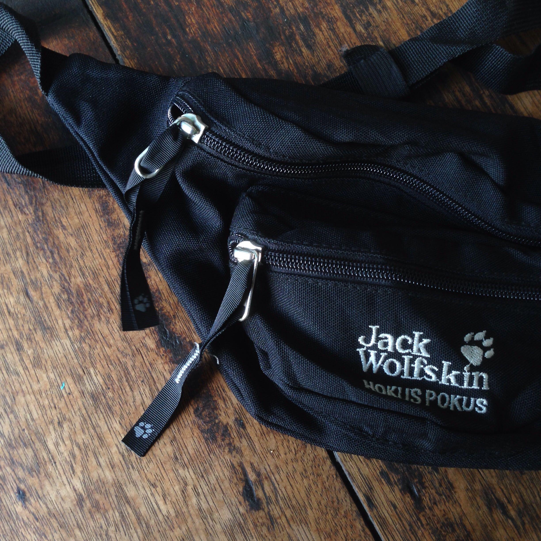 ceny odprawy wyprzedaż w sklepie wyprzedażowym najlepszy dostawca Waist Bag Jack Wolfskin, Men's Fashion, Men's Bags & Wallets ...