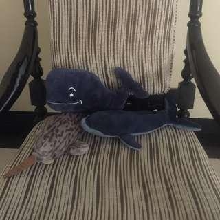 Boneka ikan paus paket