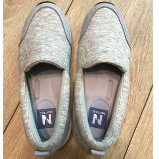🚚 【fmshoes】 降價-Neu Tral-氣墊休閒懶人鞋 灰