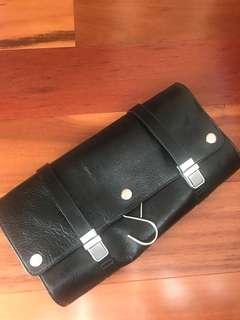 RedEnvelope leather travel case