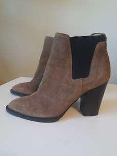 Vince Edith boots, size 6 1/2