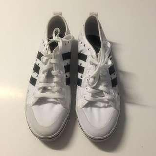 Heart shaped polka dot sneakers