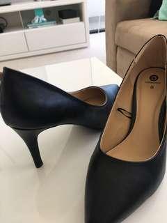 BRAND NEW Basic 8cm court heel