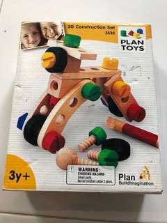Plan Toys wooden 30 Construction Set 5533