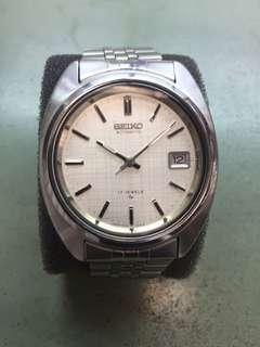 出售70's精工罕有90%新,精工 7025 ,最佳的作品自動日暦機械不鏽鋼男仕手錶,原裝精工鋼帶,時間正常,正常少花,原裝布𣐀面,合意pm ,多谷同步。