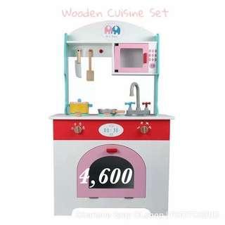 Wooden cuisine set