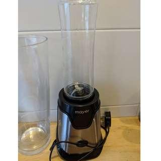 One blender, One juicer and 3 cushions