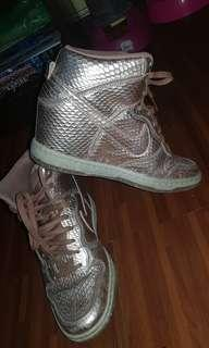 Authentic Nike high gold
