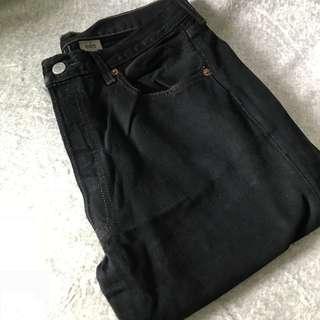 黑色Levi's 牛仔褲(約32腰)