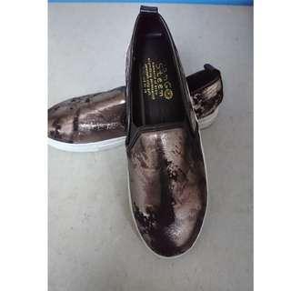 100%全新 Korea 鞋 Size:約37-38  (120包平郵)