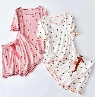 日系草莓🎀家居服 可愛 睡衣 均碼 粉紅色 白色 strawberry 上衣