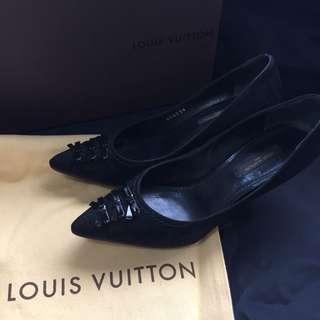 二手正貨 Louis Vuitton 絨皮高跟鞋