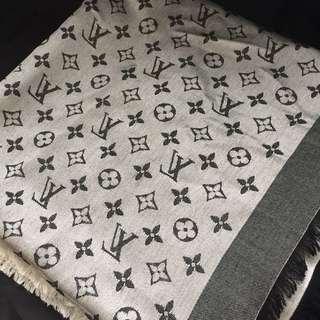 二手正貨 Louis Vuitton monogram shawl
