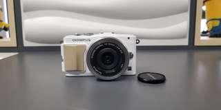 Olympus pen lite E-pl5 with kits lens 14-42mm