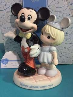 Precious Moments Mickey Mouse with Girl Figurine : Where Dreams Come True