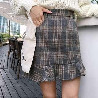 🚚 PO: Calle's Chequered Fish Tail Skirt (Korean Fashion)