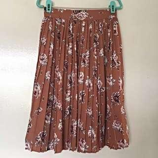 Vintage pleated floral skirt