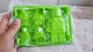 Make LEGO figurine shaped Jellies / Chocolates / Ice cubes