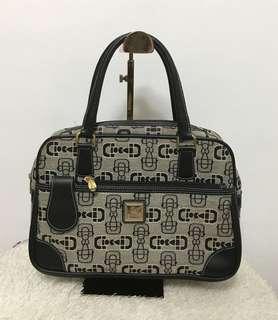 Ala mode handbag