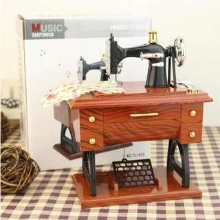 Toy Retro Nostalgic Simulation Sewing Machine Music Box Music Box Creative Birthday Gift