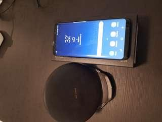 S8 with wireless charger included
