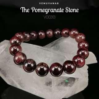 🚚 The Pomegranate Stone Garnet (9mm Bead) Crystal Bracelet-Garnet helps to detoxify blood & regulate blood circulation. It is an excellent stone to cleanse & balance root Chakra.
