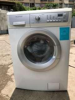 Electrolux washer and dryer 7/5 kg