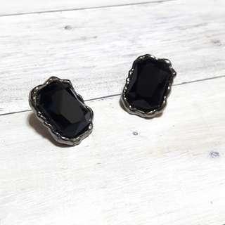 🚚 時尚風寶石耳環