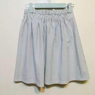 白色間條百摺裙