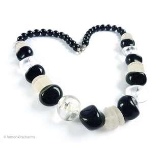 Vintage 1980s Black & Clear Beaded Necklace, nk423