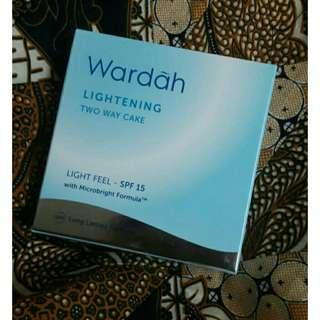 Wardah two way cake