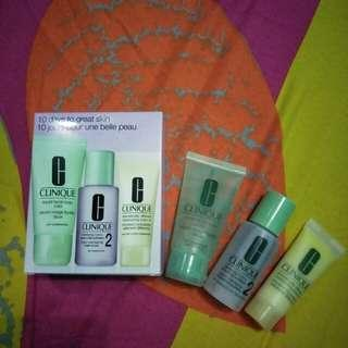Paket CLINIQUE for Dry to Combination Skin.