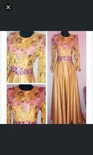 Sepasang baju pengantin