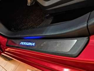 Persona 2016-2018 Led Door Side Step