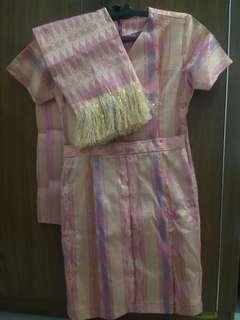 Batik (Kain dari Jawa) mirip kain songket