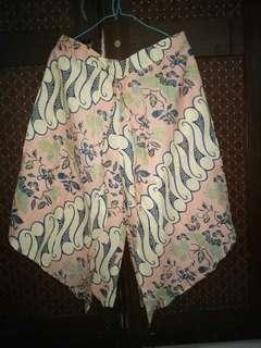 Celana kulot motif batik