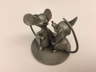 Selangor Pewter Hudson Mice - A Tail of Love